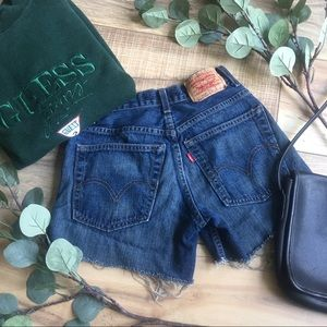 Levi's | High Waisted Mom Shorts